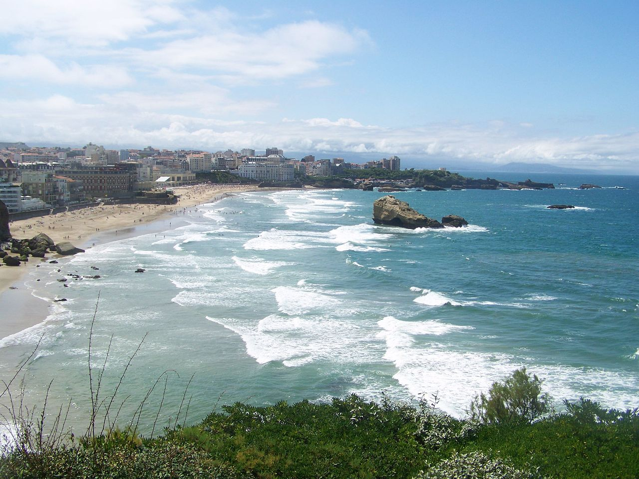 Paddleboarding in Biarritz