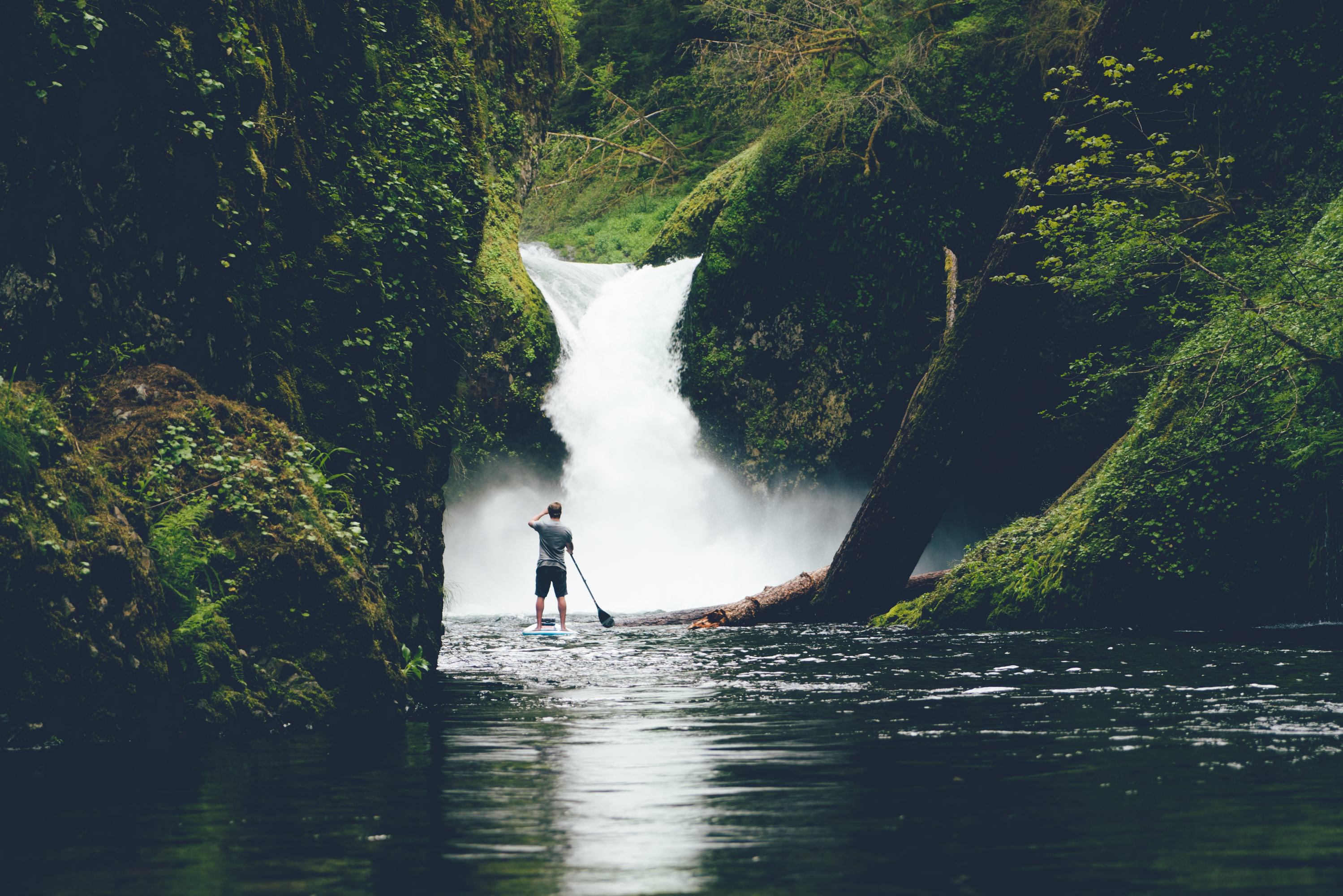 Explore oregon's punch bowl hike