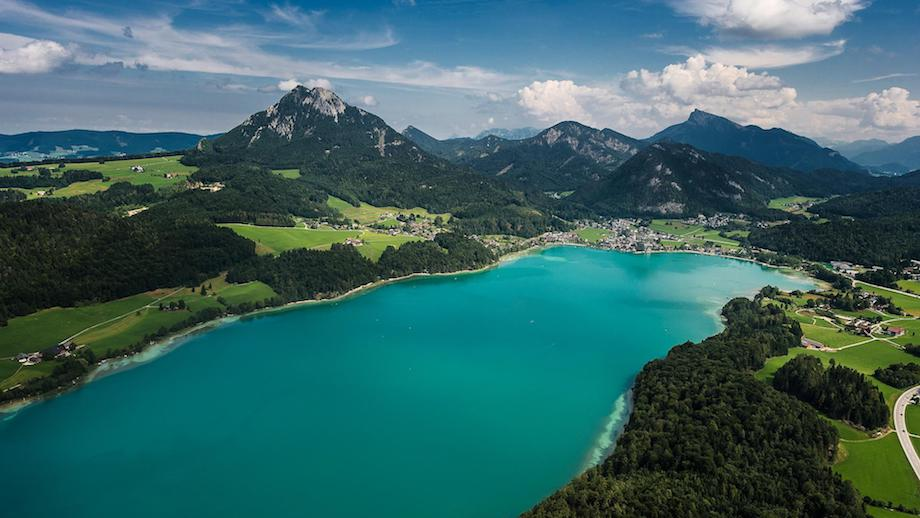birds eye view of the dragon world championships location, the alpine lake fuschl