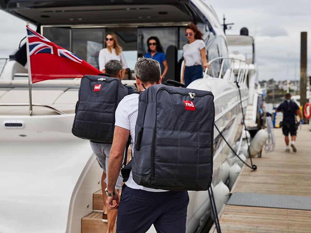 Landing thumb compact bag boat