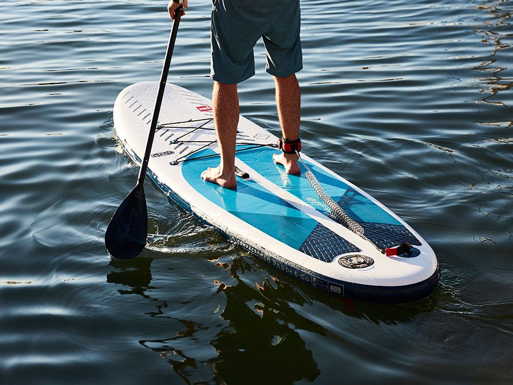 Landing thumb compact water board