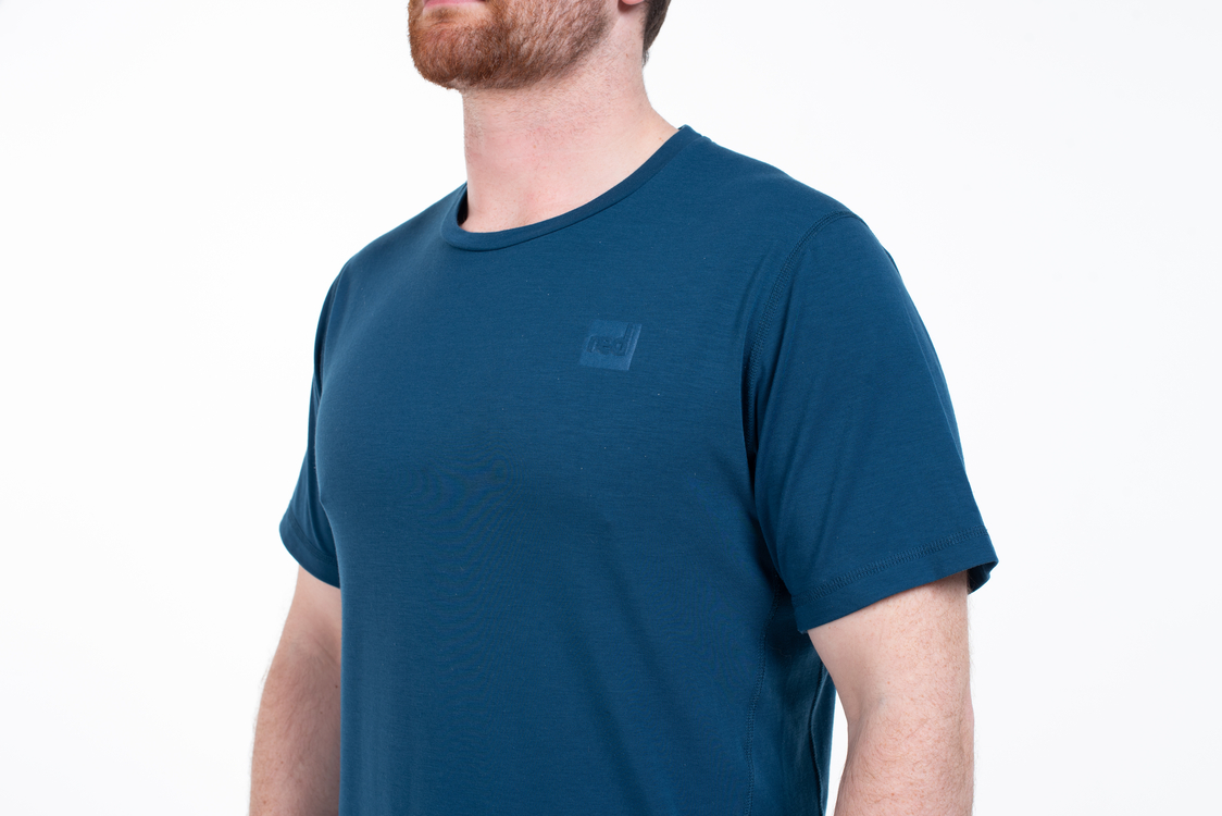 navy performance tshirt mens studio 11 1124x750 70a468d