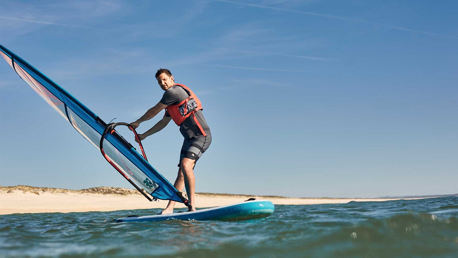 redpaddleco-107-wind-inflatable-paddle-board-desktop-gallery-valve