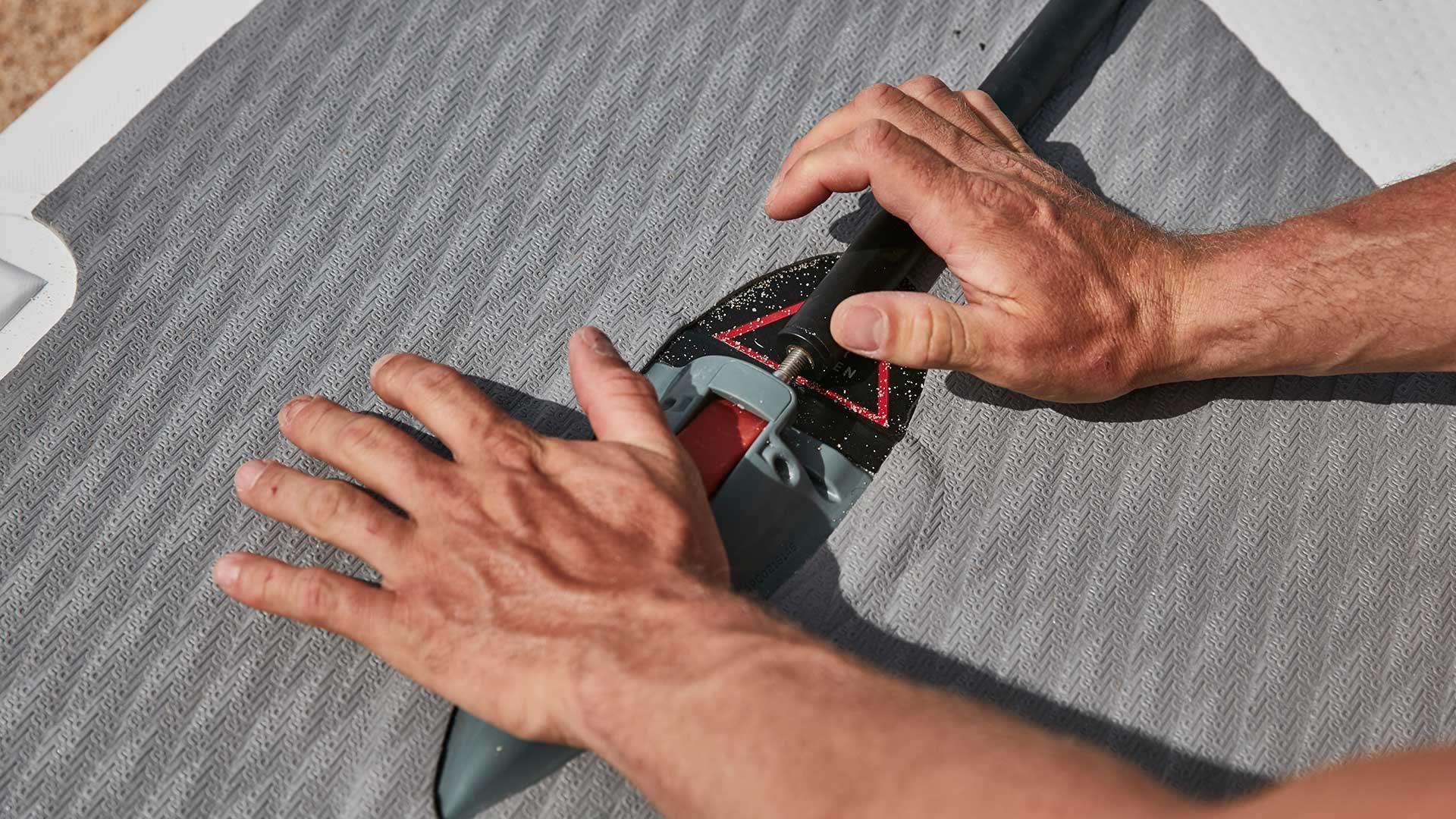 redpaddleco-126-x-26-elite-inflatable-paddle-board-desktop-gallery-valve