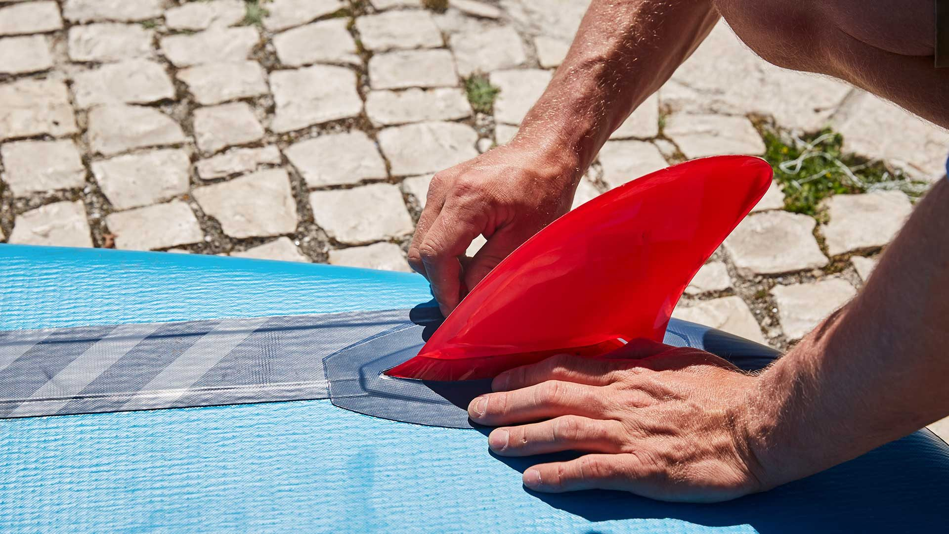 redpaddleco-96-compact-inflatable-paddle-board-inflatable-paddle-board-desktop-gallery-fins