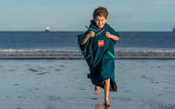 kids towelling robe 1